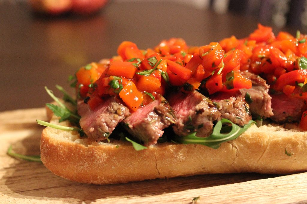 Steak it easy! Steak-Sandwich mit Paprika-Petersilie nach Jamie Oliver